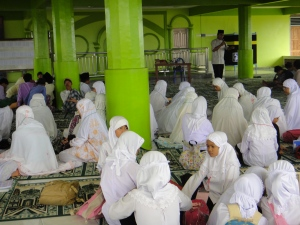 Ta'mir Ramadhan 1432 H di Masjid Al Munawwarah Siteba